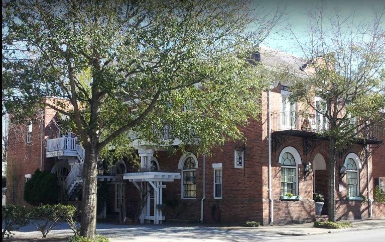 For Sale: Front Street Inn