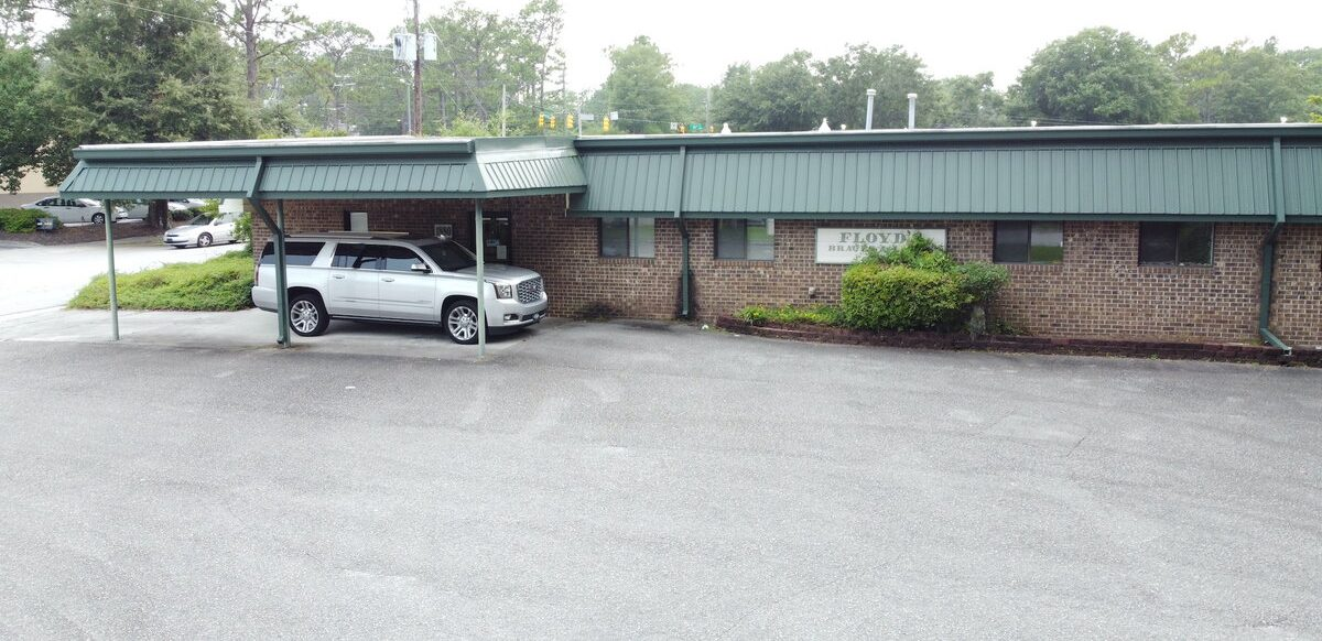 Medical Office or Redevelopment Opportunity on 17th Street